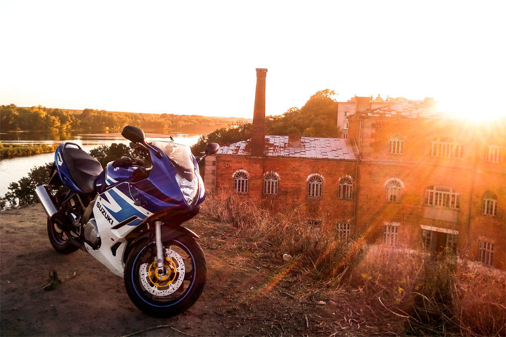 The Suzuki GS 500 F is a good motorcycle